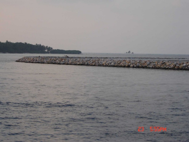 Komandoo Sea Wall.jpg